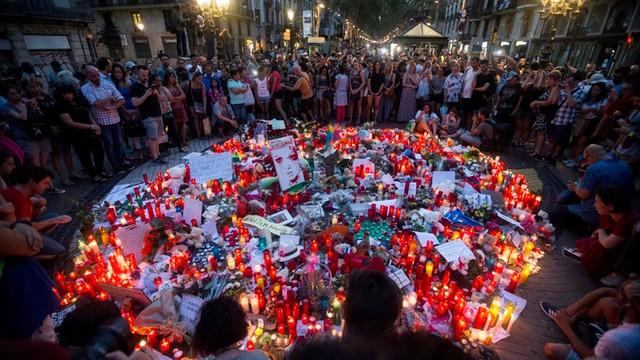 Trwają poszukiwania kierowcy furgonetki z Barcelony