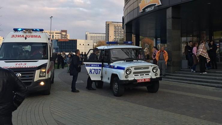 Atak piłą mechaniczną i siekierą w galerii handlowej w Mińsku
