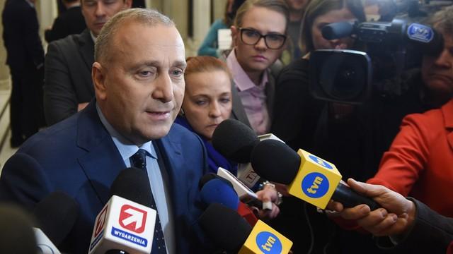 Schetyna: Twardo oczekujemy od PiS wyciągnięcia wniosków z wydarzeń w Sejmie