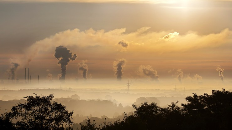 Centralna i północno-wschodnia Polska mają odetchnąć od smogu. Przynajmniej na razie