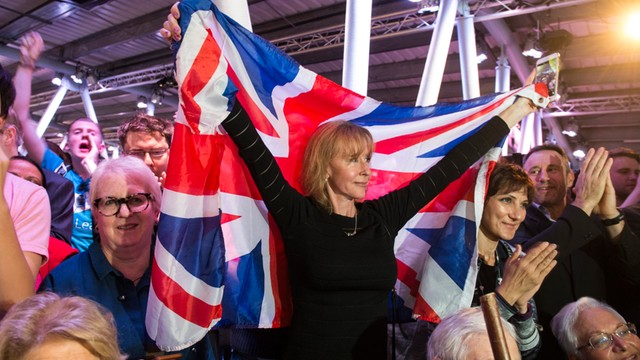 Sondaż: Obywatele krajów UE coraz bardziej za pozostaniem W. Brytanii w Unii