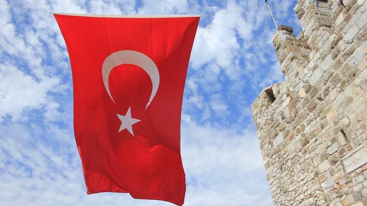 Tureckie służby poszukują 144 osób. Za związki z Gulenem