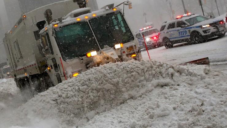 Atak zimy w USA. Rośnie liczba ofiar, Nowy Jork sparaliżowany
