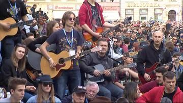 01-05-2016 17:17 Gitarowy Rekord Guinnessa pobity we Wrocławiu