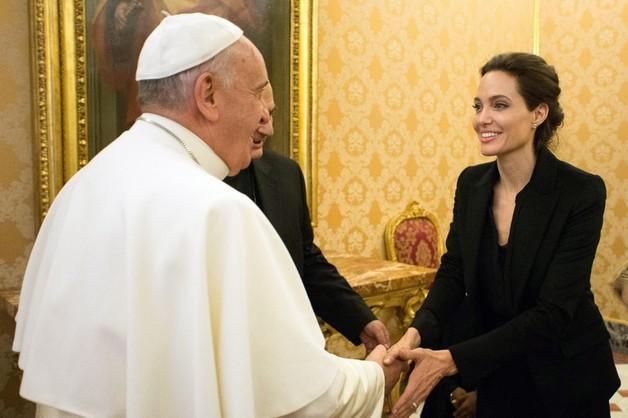 Angelina Jolie u papieża