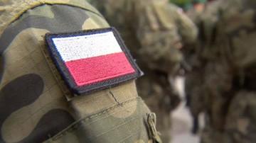 15-12-2017 16:39 Żołnierze podejrzani ws. nielegalnego handlu bronią i sutenerstwa. Prokuratura stawia zarzuty