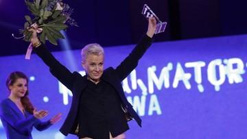 """02-12-2017 19:56 Dziennikarka Polsat News Ewa Żarska z nagrodą w konkursie """"MediaTory"""""""