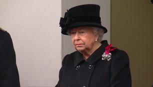 Królowa Elżbieta II chora? Po raz pierwszy od lat nie złożyła wieńca w Niedzielę Pamięci