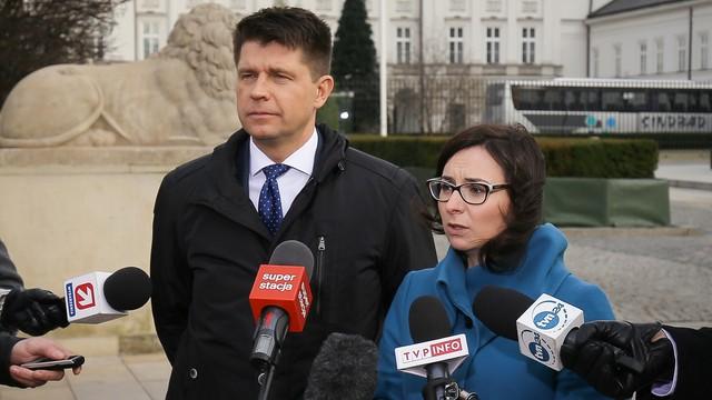 Petru: niech prezydent natychmiast przyjmie przysięgę od trzech sędziów