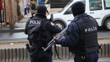 14-08-2017 06:12 Turecki policjant śmiertelnie ugodzony nożem przez domniemanego bojownika ISIS