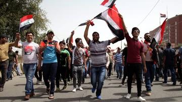 30-04-2016 16:35 Irak: setki zwolenników reform wdarły się do Zielonej Strefy w Bagdadzie