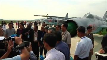 27-09-2016 16:38 Myśliwce, śmigłowce, spadochroniarze. Pierwszy w historii festiwal lotniczy w Korei Północnej