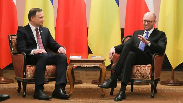 Duda i Jaceniuk: terminal LNG w Świnoujściu może pomóc Ukrainie