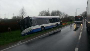 Zderzenie autobusu z ciężarówką w Kołobrzegu. Pięć osób w szpitalu