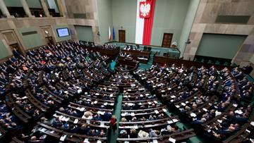 """29-12-2015 15:15 """"Czy zdajecie sobie sprawę z konsekwencji emocjonalnych?"""". Sejm debatował nad obowiązkiem szkolnym dla sześciolatków"""
