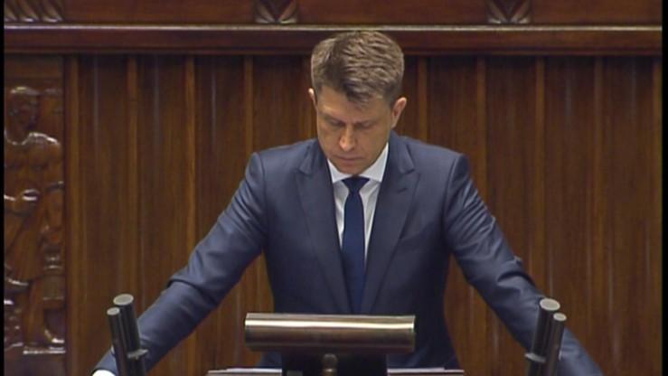 Nowoczesna może stracić posłów na rzecz PO. Powodem - Petru. Partia zawiesza trzech parlamentarzystów