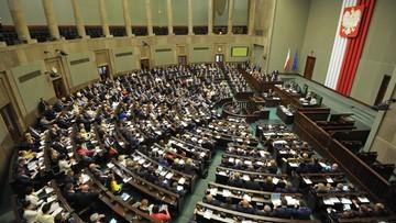 19-07-2017 05:20 Sejmowa awantura nad projektem o SN. Zgłoszono ponad tysiąc poprawek