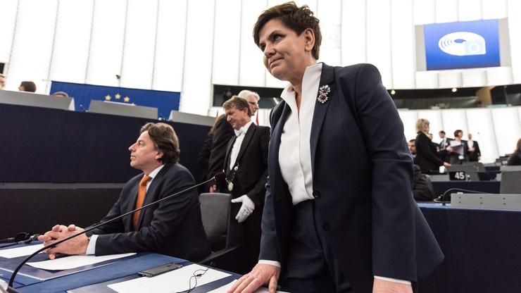"""""""Nieugięta żelazna dama"""", """"Za premier stoi prezes PiS"""". Zagraniczne media komentują debatę w PE"""