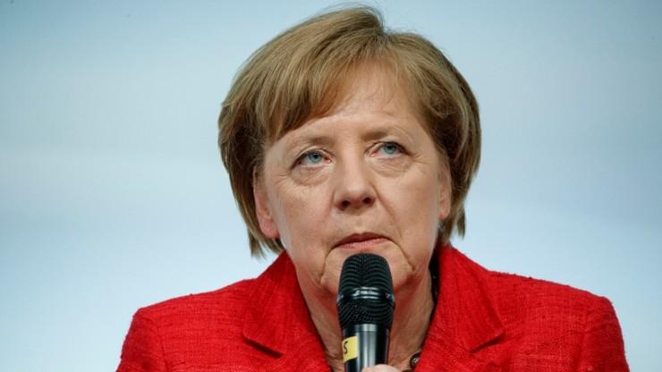 """""""Sprawców należy ścigać"""". Merkel krytykuje koalicyjną partię za pobłażliwość"""