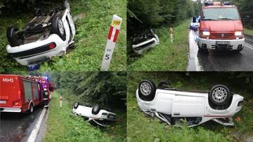 14-09-2017 20:10 Samochód w rowie, żaden kierowca nie pomógł. Dopiero strażacy po służbie ruszyli na ratunek