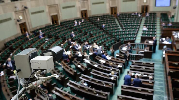 Sejm przyjął nowelizację zasad inwigilacji przez służby