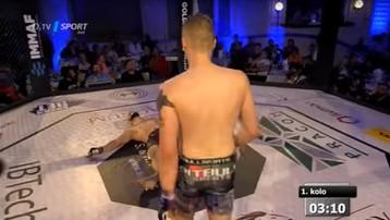 2017-09-18 Polak potwornie złamał kość rywalowi na gali MMA w Czechach (WIDEO)