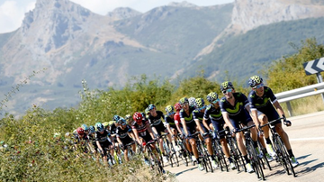 2017-01-12 Vuelta a Espana: Historyczny start we Francji