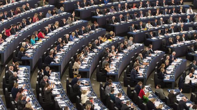 CBOS: 88 procent badanych popiera członkostwo Polski w UE, przeciw jest 8 procent