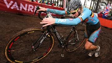 01-02-2016 18:39 Włoski producent rowerów pozwie belgijską kolarkę. W jej jednośladzie zamontowano silnik