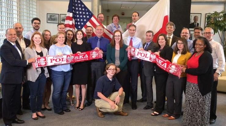 Ambasada USA w Warszawie kibicuje biało-czerwonym