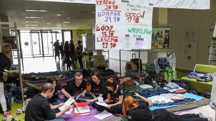 """Lekarze rezydenci zakończyli protest głodowy w Szczecinie. """"Nie chcemy narażać zdrowia protestujących"""""""