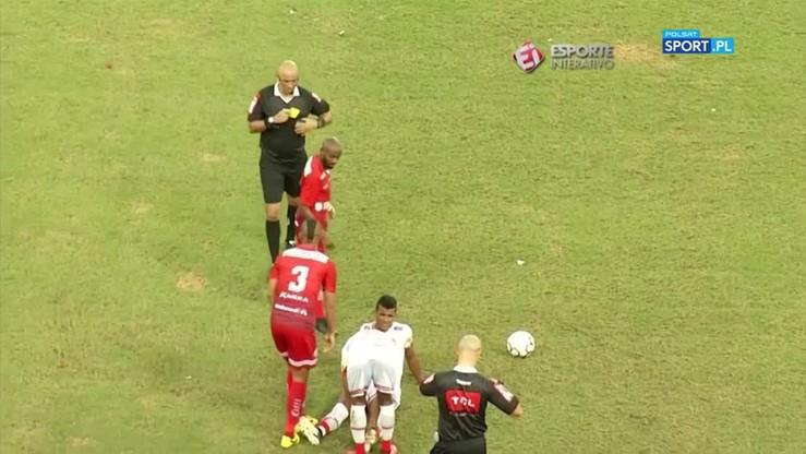 Sędzia gapa! Piłkarz dostał dwie żółte kartki i nie wyleciał z boiska