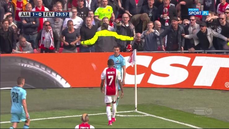 Prowokacje w hicie! Piłkarz Feyenoordu zaatakował kibiców Ajaksu