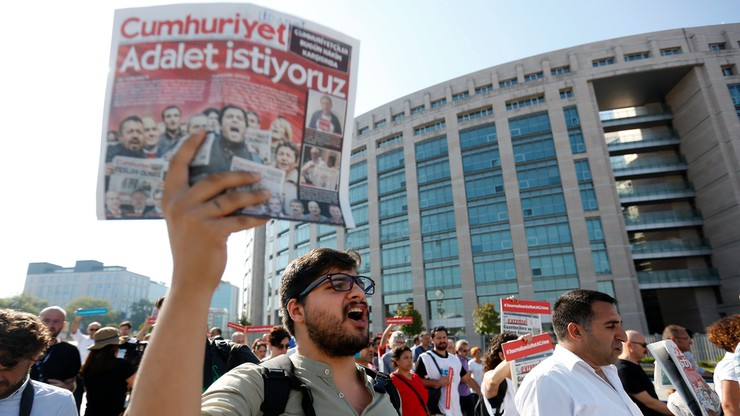W Turcji ruszył proces dziennikarzy opozycyjnego dziennika