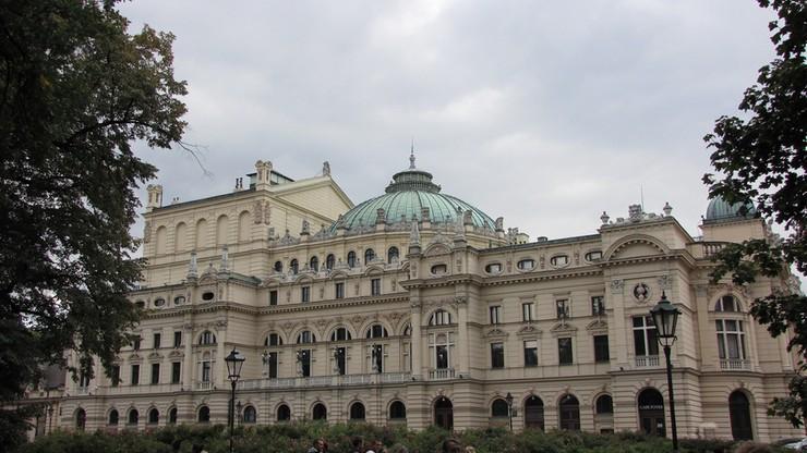 Ule staną na dachu Teatru im. Słowackiego w Krakowie. Miód prezentem dla gości