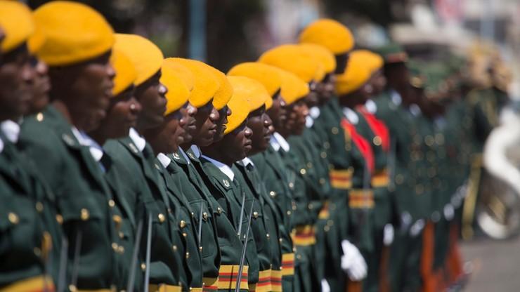Wojsko w Zimbabwe opanowało gmach radia i telewizji. Armia dementuje pogłoski o zamachu stanu