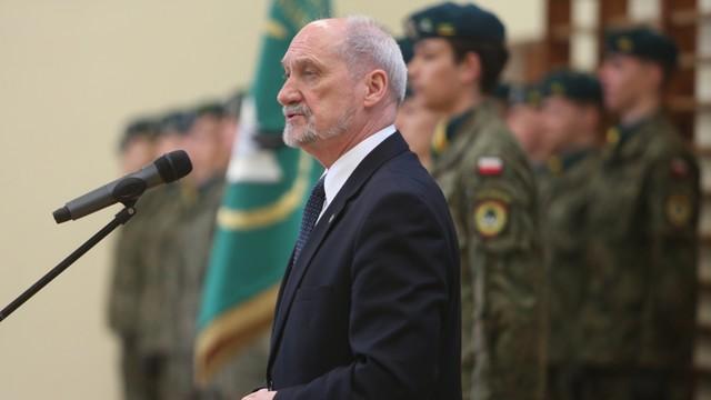 Macierewicz: Mamy szansę na skuteczną obronę Rzeczpospolitej