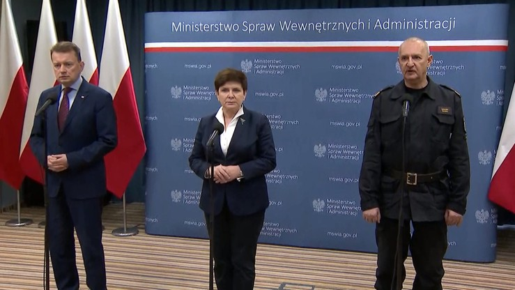 Premier: sytuacja pogodowa się stabilizuje. Służby w pogotowiu