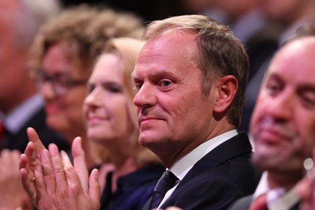 CBOS: Tusk zyskuje w ostatnim notowaniu rządu