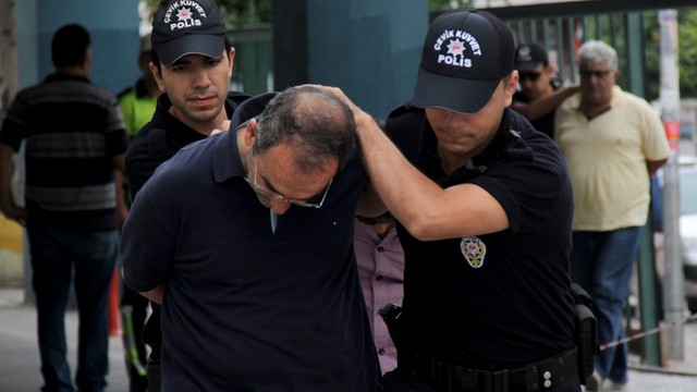 Wicepremier Turcji: 9322 osoby objęte śledztwem w związku z próbą puczu