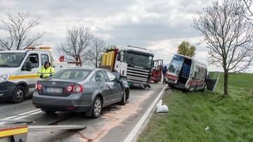 Zderzenie czterech samochodów na Dolnym Śląsku. 9 osób poszkodowanych