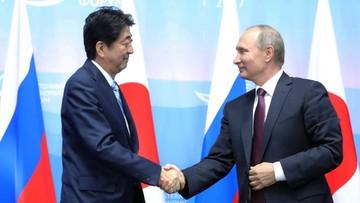 07-09-2017 15:48 Premier Japonii: wspólnie z Putinem podpiszemy traktat pokojowy