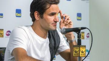 Federer kontuzji kolana nabawił się przy… kąpieli córek