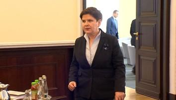 """10-08-2017 18:33 """"Premier wysłuchała zastrzeżeń prezydenta i poprosiła o wyjaśnienia Macierewicza i Kamińskiego"""". Konflikt na linii Duda - MON"""