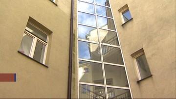 Śledztwo ws. zwłok znalezionych w mieszkaniu w Krakowie