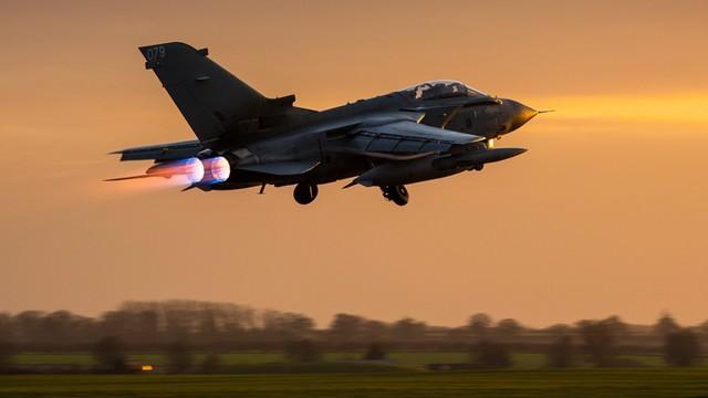 Brytyjskie bombowce dokonały pierwszego ataku w Syrii
