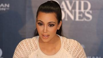 03-10-2016 07:47 Kim Kardashian obrabowana. Straciła 16 mln euro. Pięciu mężczyzn groziło jej bronią
