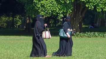 28-04-2017 09:09 Niemcy: urzędniczki z zakazem nikabu i burki w pracy