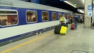 Uczniowie i niepełnosprawni stracą zniżki na pociągi i autobusy. Posłowie nadal będą jeździć za darmo