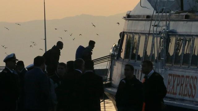 Grecja: z wyspy Lesbos wypłynęły pierwsze łodzie z migrantami do Turcji